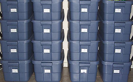 10 gallon food storage bins