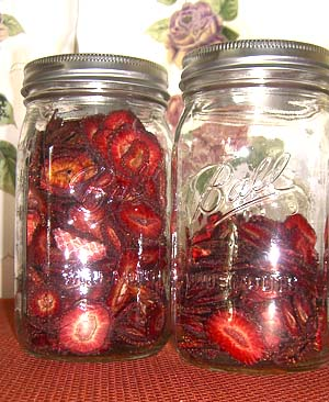 dehyrated strawberries in canning jars