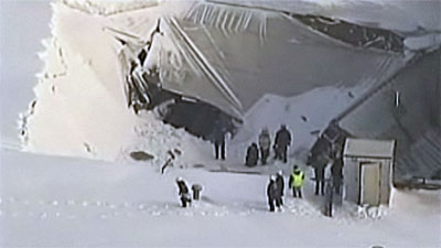 garage-roof-collapse-lynn-massachusetts-27-jan-2011