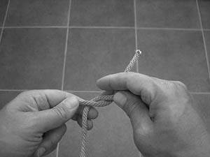how-to-tie-a-square-knot-step-3