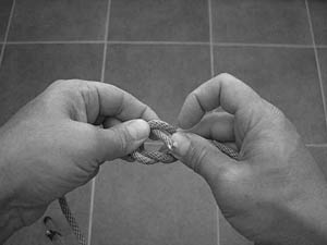 how-to-tie-a-square-knot-step-6