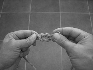 how-to-tie-a-square-knot-step-7