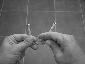 how-to-tie-a-square-knot-step-4