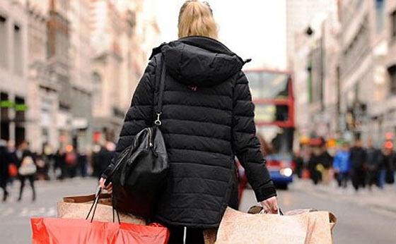 15 Tips For Staying Safe While Out Shopping