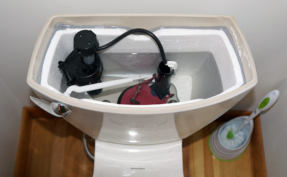 how-to-flush-toilet-without-running-water
