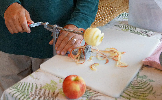 apple-peeler