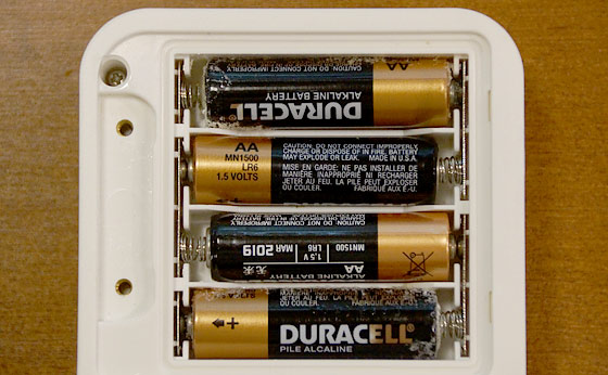 Do lithium batteries leak