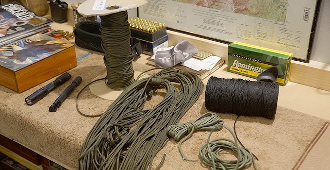 How much paracord for a survival kit?